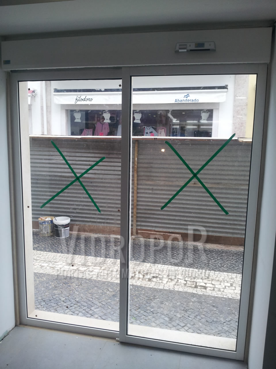 porta de correr automatica vista interior loja